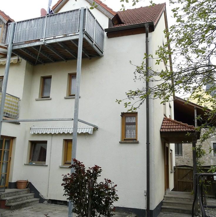 gut vermietetes 3 fam haus nahe w rzburg immobilienmakler wuerzburg muth schr der. Black Bedroom Furniture Sets. Home Design Ideas