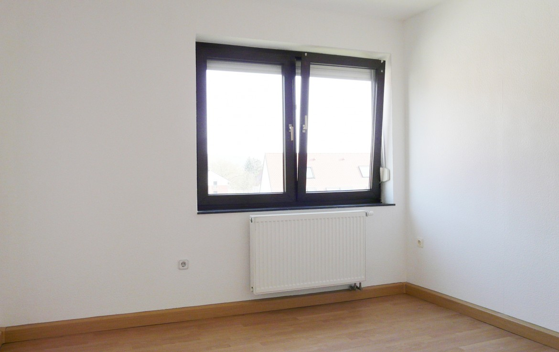 3 zimmer etw mit balkon weinort randersacker top zustand frisch renoviert provisionsfrei. Black Bedroom Furniture Sets. Home Design Ideas