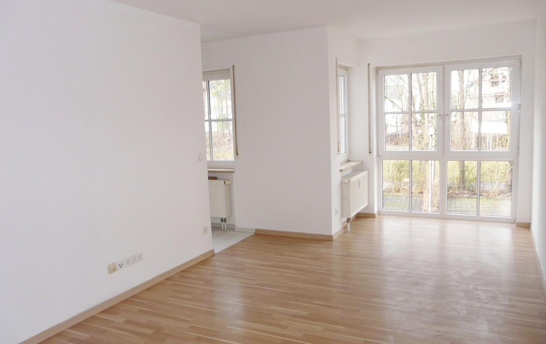 gepflegte 1 zimmer etw in zell am main sofort bezugsfrei immobilienmakler wuerzburg muth. Black Bedroom Furniture Sets. Home Design Ideas