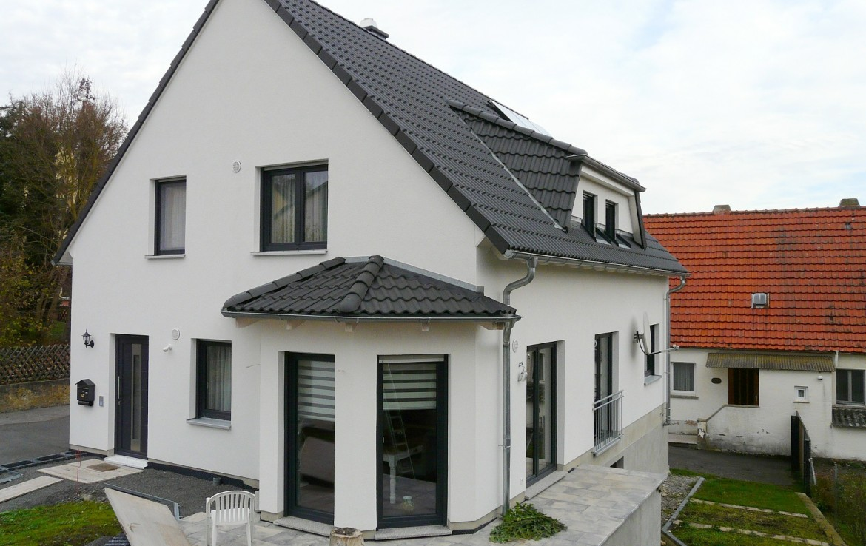 bj 2015 geschmackvolles einfamilienhaus in ruhiger lage immobilienmakler wuerzburg muth. Black Bedroom Furniture Sets. Home Design Ideas