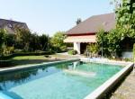 Wohnhaus mit Pool 2